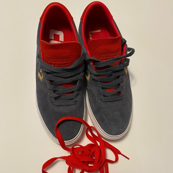 COPY - Never worn Converse sneakers